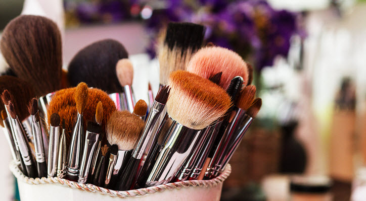Styling Your Logo Design: Branding in the Beauty Industry - Logo Maker